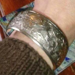 Jewelry - Tibetan silver unisex cuff banged